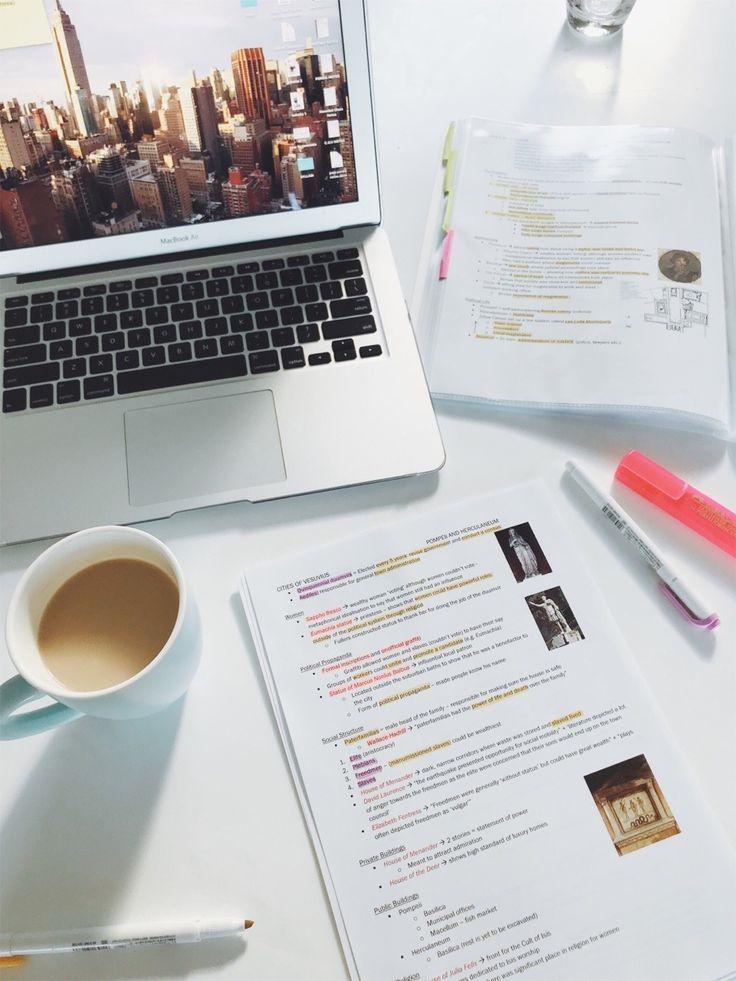 escritorio para motivarte a estudiar